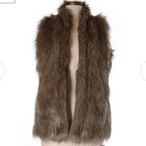 Abercrombie & Fitch Faux Fur Vest Size Medium